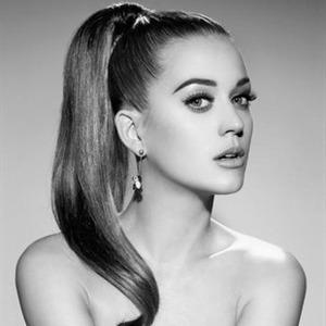 Katy Perry empieza a componer para su tercer disco de estudio