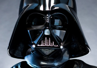 ¿Qué famosísimo cantante se ha disfrazado de Darth Vader?
