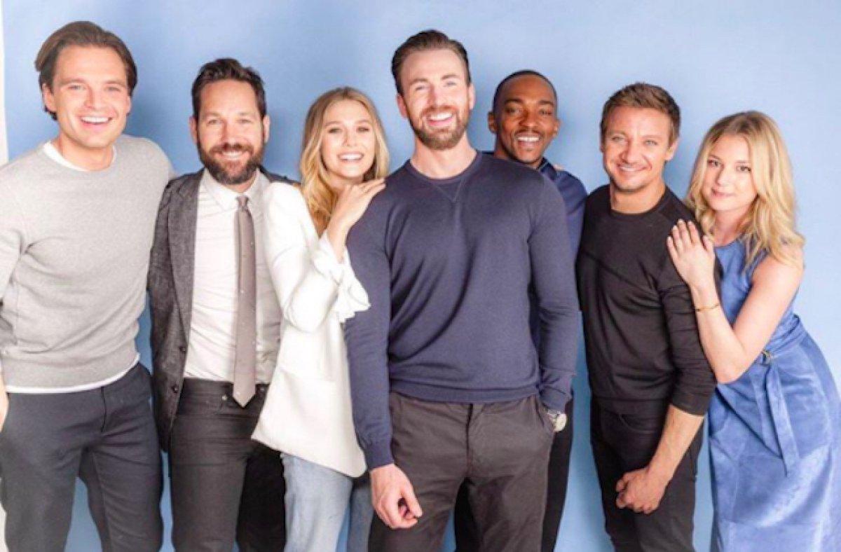Elizabeth Olsen y el reparto de 'Captain America'