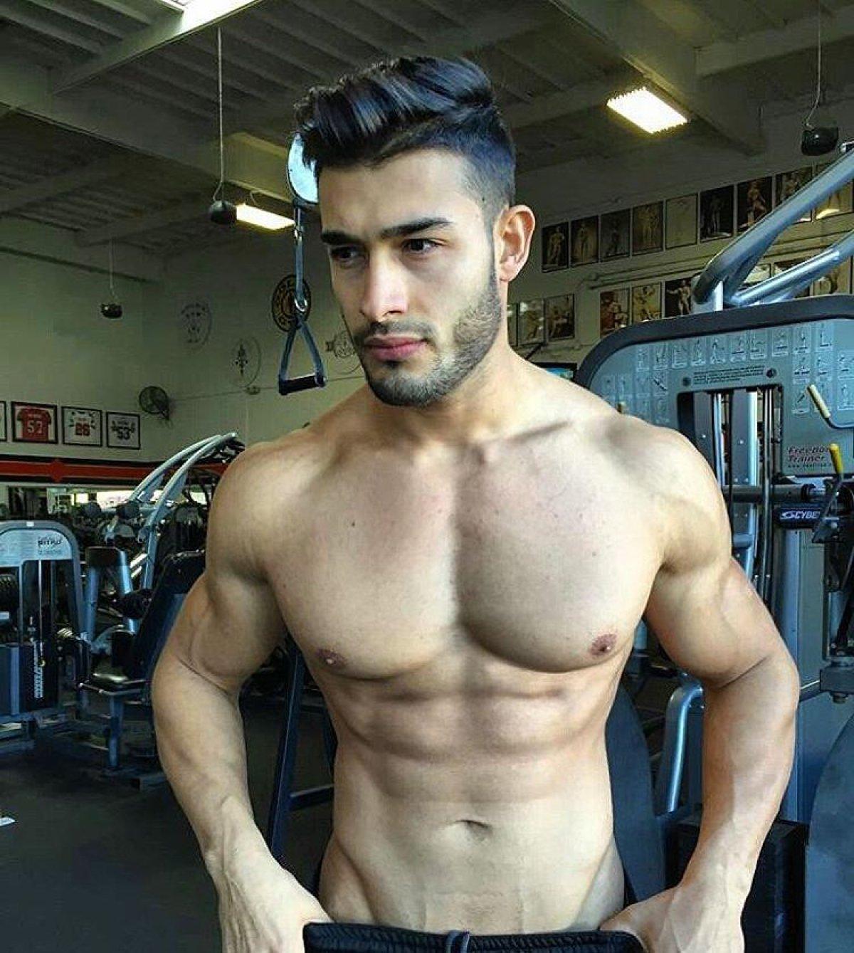 Sam Asghari, el modelo buenorro del último vídeo de ...