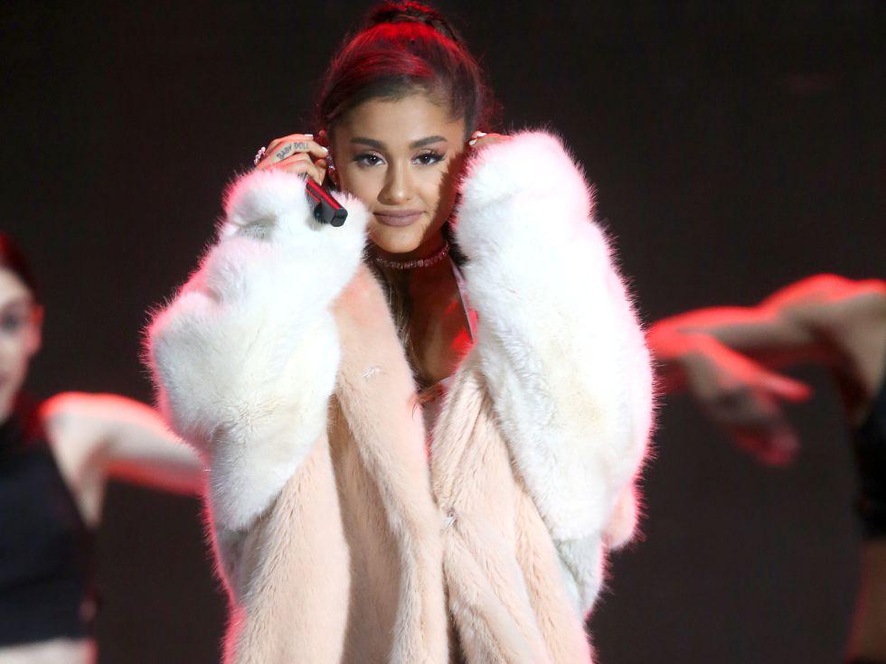 12 cantantes con abrigos bien fuertes