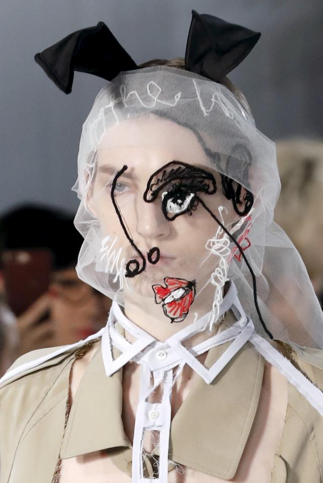 John Galliano propone un maquillaje obra de arte