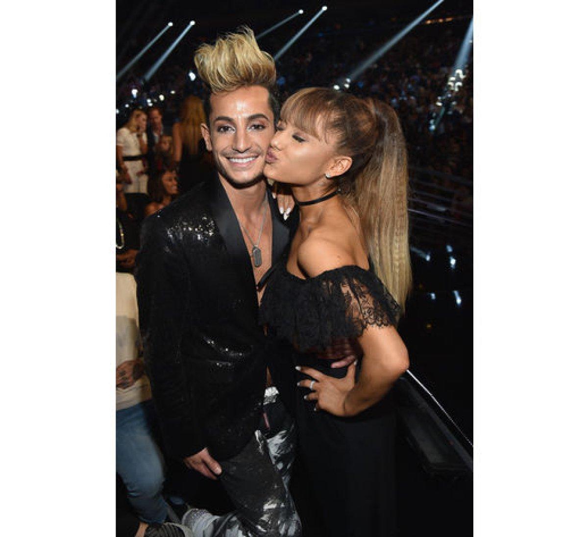 ¿Sabías que Taylor Swift y Ariana Grande tienen hermanos idénticos a ellas?