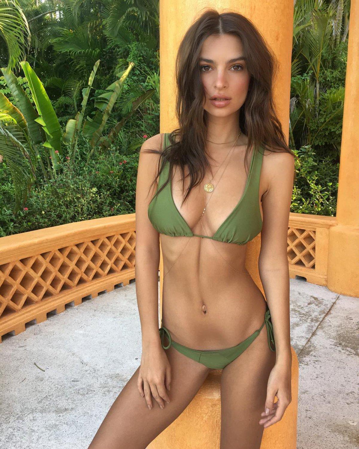 Resultado de imagen de chenoa en bikini