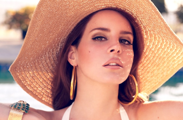 Lana Del Rey incita a desnudar a The Weeknd