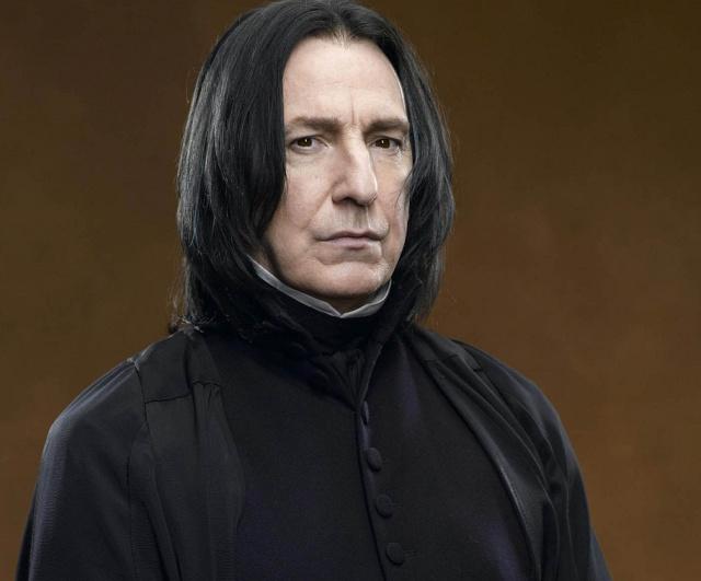 Escritora de Harry Potter se disculpa por matar al profesor Snape