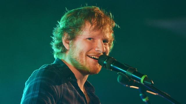 Ed Sheeran confiesa a Xavi y Uri su pasión por Barcelona y por nuestro país en general