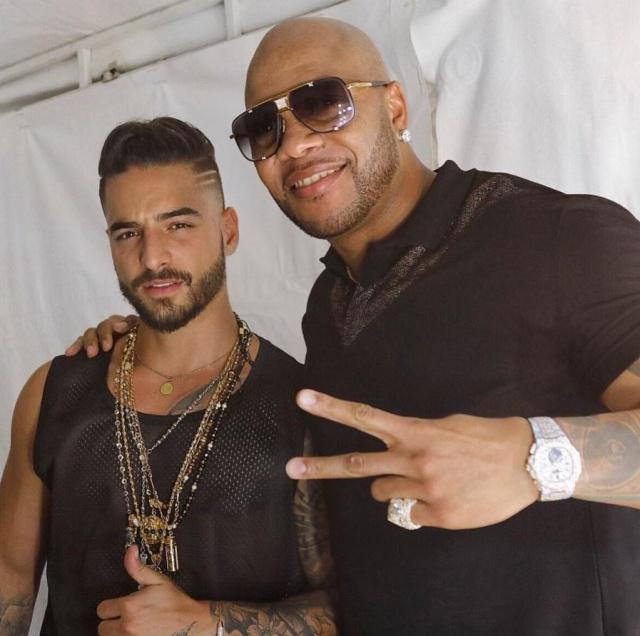 El rapero y el artista latino lanzan el tema 'Hola'