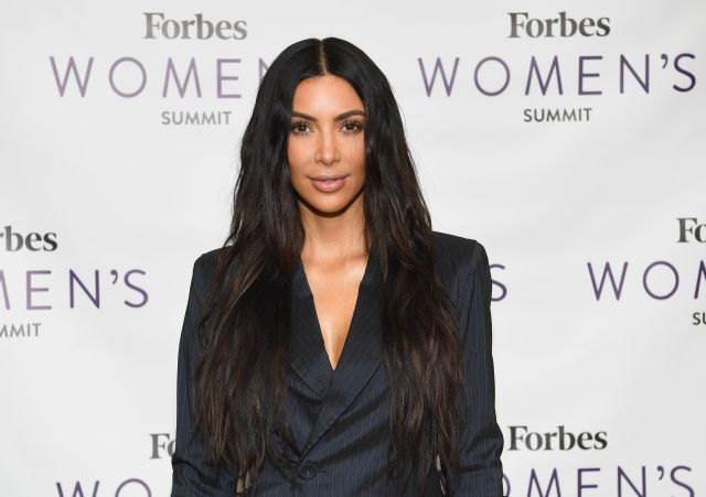 Comparte Kim Kardashian foto con su hija Chicago