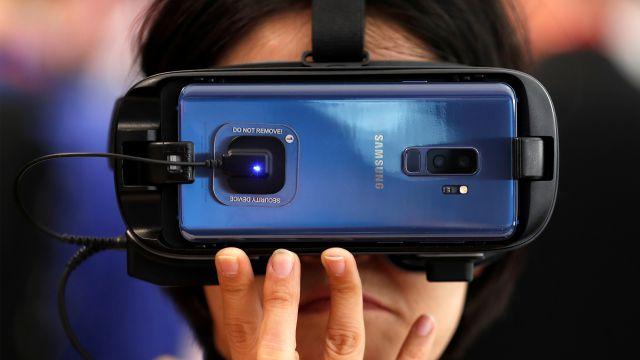 Algunos de los celulares plegables de Samsung se rompen
