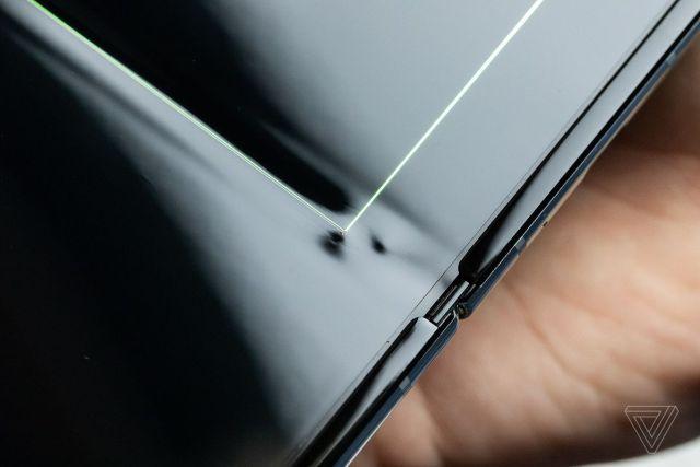 El Samsung Galaxy Fold sufre desperfectos de pantalla