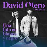 Una foto en blanco y negro - DAVID OTERO Y TABURETE