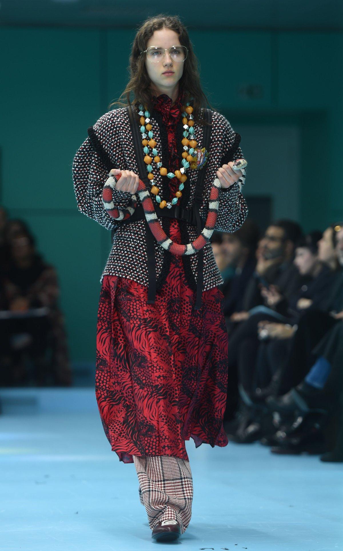 El desfile de Gucci en Milán es lo más marciano que verás hoy ... 014b26a080c