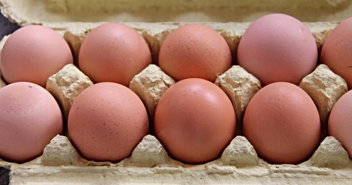 Sorpresa por lo que ha encontrado un agricultor dentro de un huevo