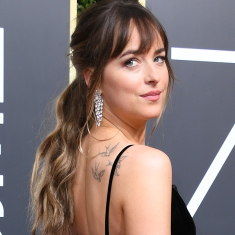 Chris Martin y Dakota Johnson demuestran su amor con un tatuaje