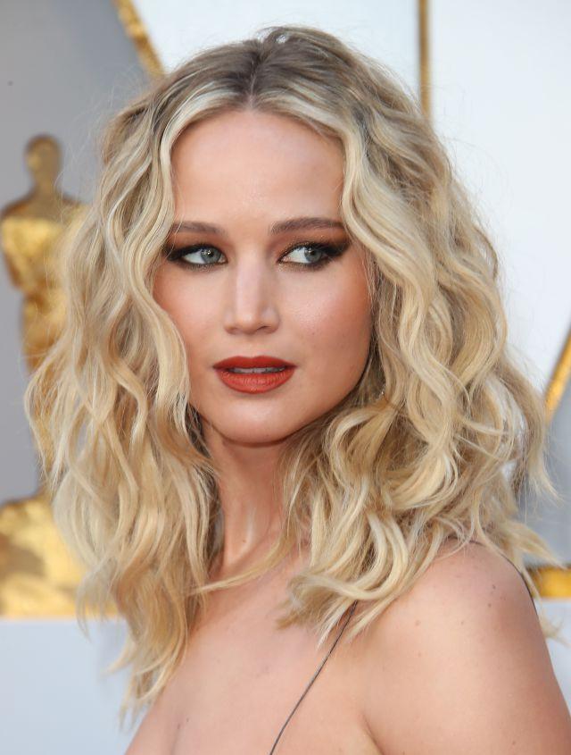 Jennifer Lawrence se casa pero… ¿Quién es él? | Love 40 | LOS40