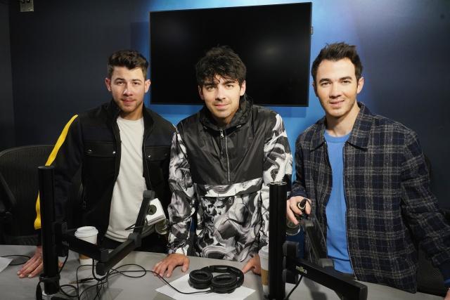 Así se prepararon los Jonas Brothers para el segundo capítulo de Juego de Tronos