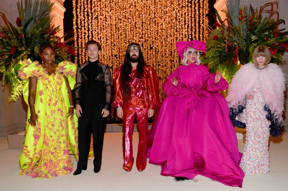 Lady Gaga posó con Serena Williams, Harry Styles, Alessandro Michele y Anna Wintour...todos iconos de moda