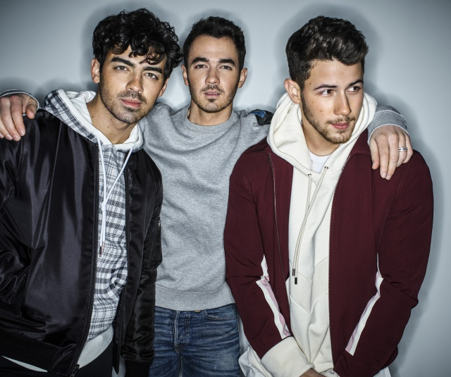 Jonas Brothers desvela las canciones de su disco 'Happiness Begins'