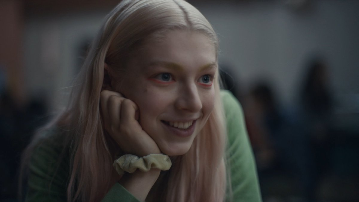 Jules, el personaje transexual interpretado por Hunter Schafer