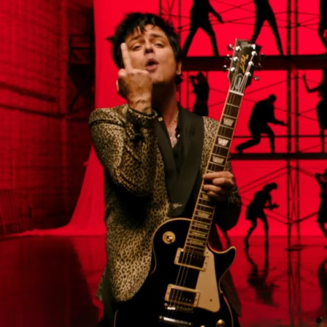 Green Day regresa a su esencia más punk con el vídeo de 'Father Of All...'