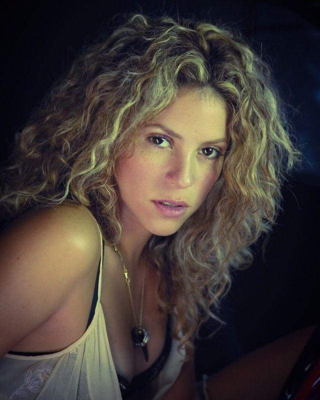 Shakira no entiende la viralidad, ahora, de uno de sus vídeos de hace 14 años