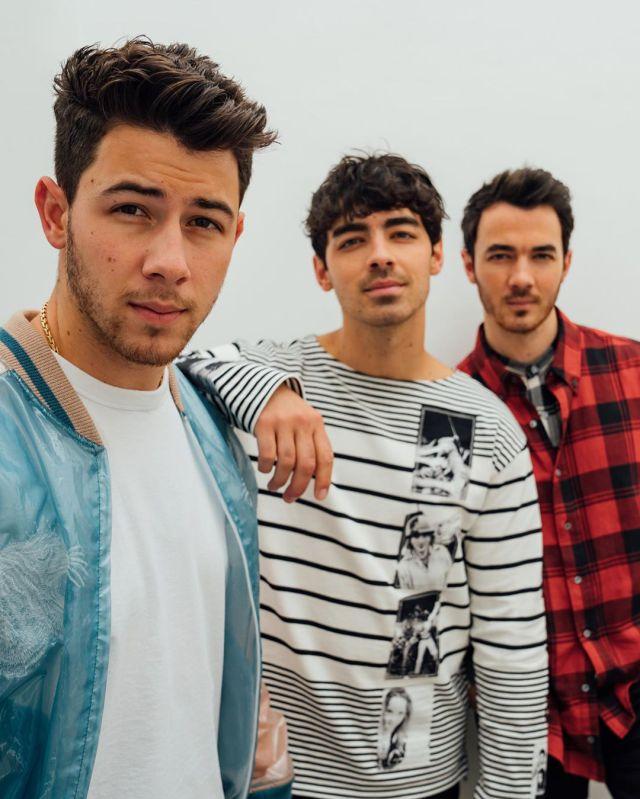 Diplo le 'roba' la cuenta de Instagram a Jonas Brothers