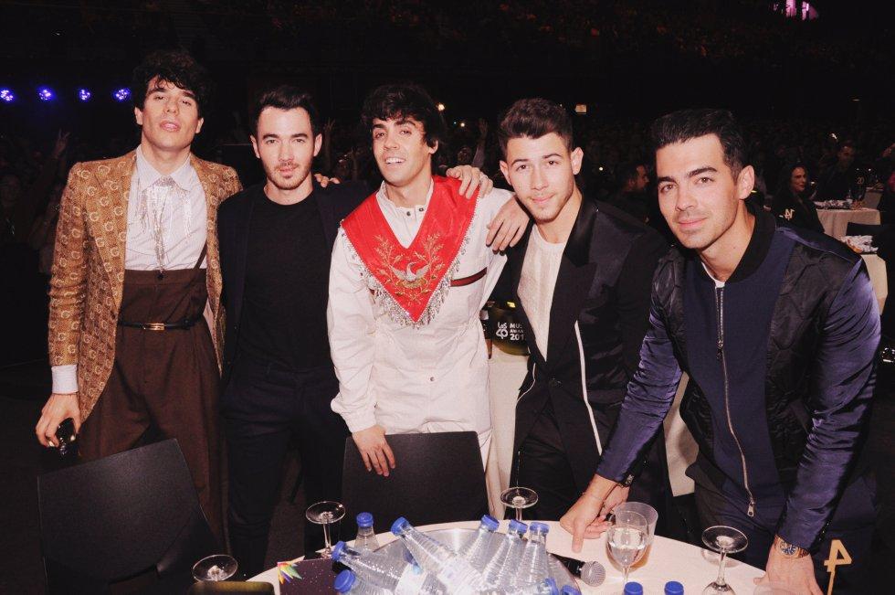Los Javis y Jonas Brothers