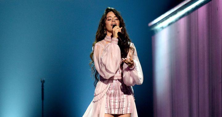 Camila Cabello emociona en los Grammy cantando al hombre más importante de su vida