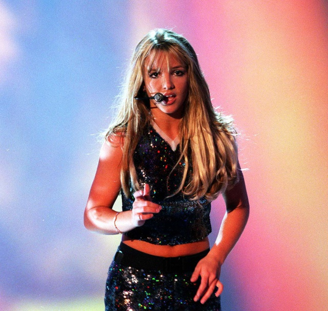 De '...Baby One More Time' a 'Smooth Criminal': Las versiones más curiosas de grandes hits (Volumen I)