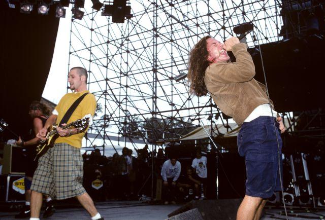 Pearl Jam lanza la versión sin censura de 'Jeremy' contra el uso de las armas