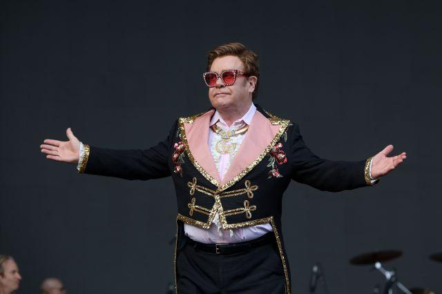 Elton John se convierte en el músico mejor pagado del año