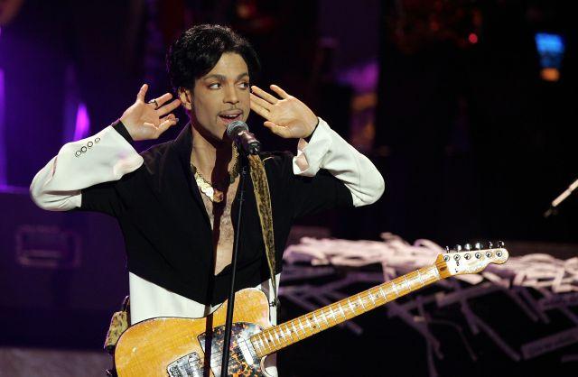 Escucha una nueva versión inédita de 'I Could Never Take the Place of Your Man' de Prince