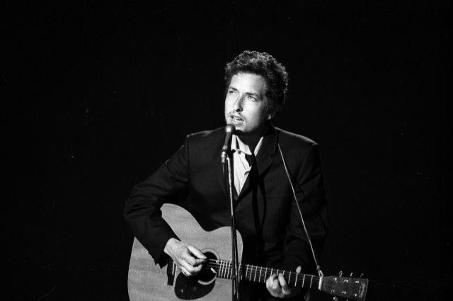 Bob Dylan y el misterioso accidente de moto que nunca se aclaró