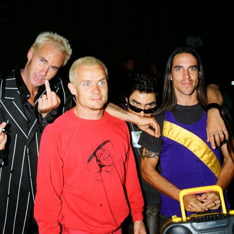 El mayor fracaso de Red Hot Chili Peppers, 'One Hot Minute', cumple 25 años