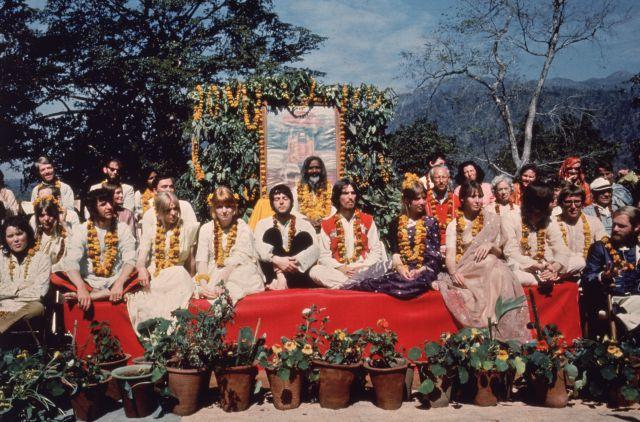 Un nuevo documental muestra imágenes inéditas del viaje de los Beatles a la India