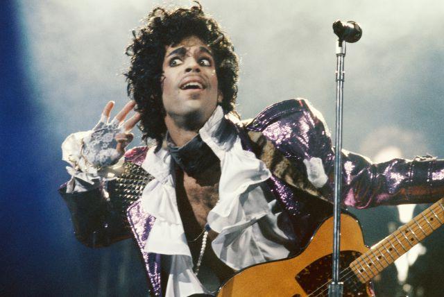 Escucha una nueva canción inédita de Prince: 'I Need A Man'