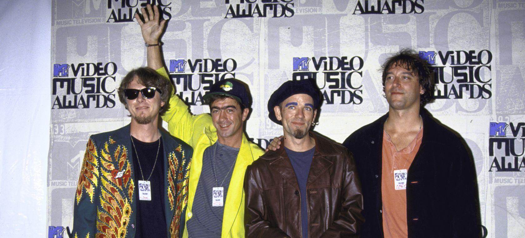 ¿Por qué 'Shiny Happy People' es la canción más odiada de R.E.M.?