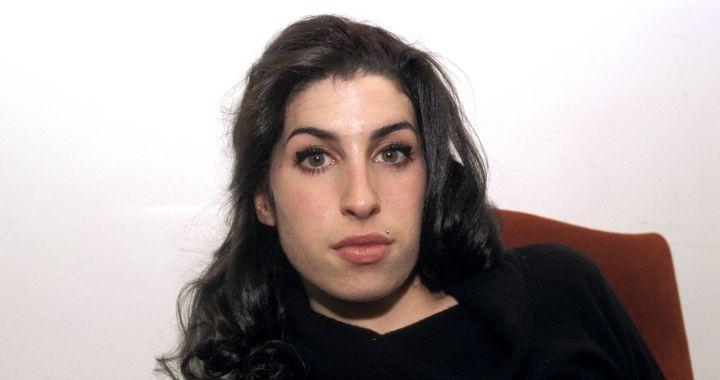 Amy Winehouse The Collection y 12x7 The Singles Collection, el legado musical de la británica