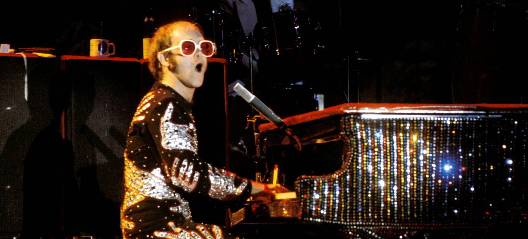 Elton John tendrá su propio documental que contará sus agitados años 70