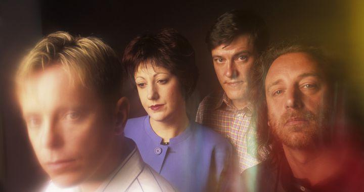 La historia de 'Blue Monday', el clásico de New Order que levanta cualquier  mal día | LOS40 Classic | LOS40