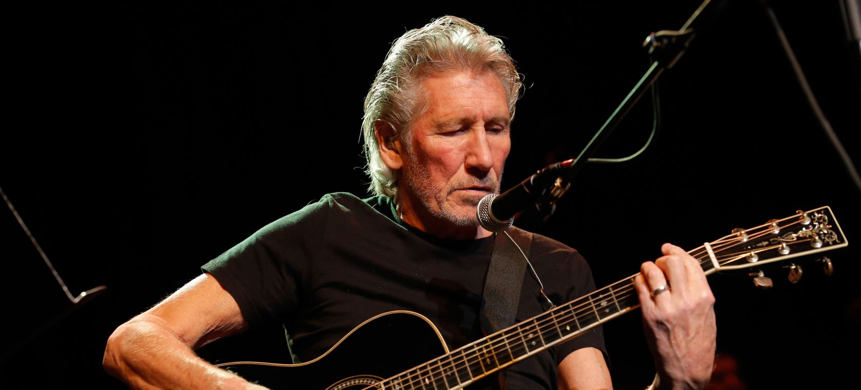 Roger Waters comparte un vídeo interpretando 'The Gunner's Dream' de Pink Floyd