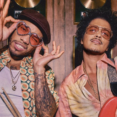 Bruno Mars y Anderson .Paak se estrenan en Silk Sonic con 'Leave The Door Open': ¡mira el vídeo!