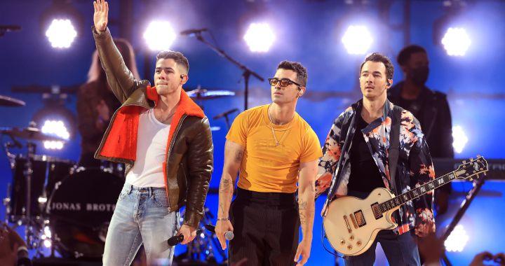 Jonas Brothers pone la música en la clausura de los Juegos Olímpicos de  Tokio 2020   Música   LOS40